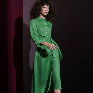 """Stay in """"Perfect Harmony"""" with our new midi dress 💚 Made to feel and look incredible 💯 It's 100% cotton and lined for ultimate comfort 🤩 Come take a look! Available on our website. . . . . . #damenoutfit #germanbloggerinspo  #bloggerin #blogger_de #fashionblogger_de #discoverunder1k #bloggerdeutschland #sommer2021 #ootdgermany #mode #lookdujour #prettylittleiiinspo #spiegleinspiegleinanderwand #instafashionist #kleding #kledingwinkel #musthave #bloggeruk #ukblogger #whatiworetoday #kleiderliebe #damenmode #frauenmode #ukfashionblogger #ukfashionbloggers #frauenoutfits #mididress #mididresses #luxlady @luxeladyofficial"""