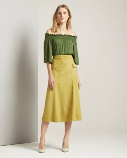 """Essential and versatile pieces for your wardrobe 🧐 Combine, match, style up or down...it's all possible with our """"Enchantress"""" Off the Shoulder Top and """"My Oh My"""" Midi Skirt 👀👀 💫⭐  Take a look now at www.spreadingcolor.com  . . . . . #damenoutfit #germanbloggerinspo  #bloggerin #blogger_de #fashionblogger_de #bloggerdeutschland #sommer2021 #ootdgermany #swissfashionblogger #lookdujour #prettylittleiiinspo #instafashionist #kleding #abendkleider #bloggeruk #ukblogger #whatiworetoday #kleiderliebe #damenmode #frauenmode #ukfashionblogger #ukfashionbloggers #frauenoutfits #modeblogger #sommeroutfits #bloggerde #outfitideen #howtowear #ootdtoday #sommermode"""